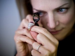 Mara Hotung Diamond & Gemstone Specialist