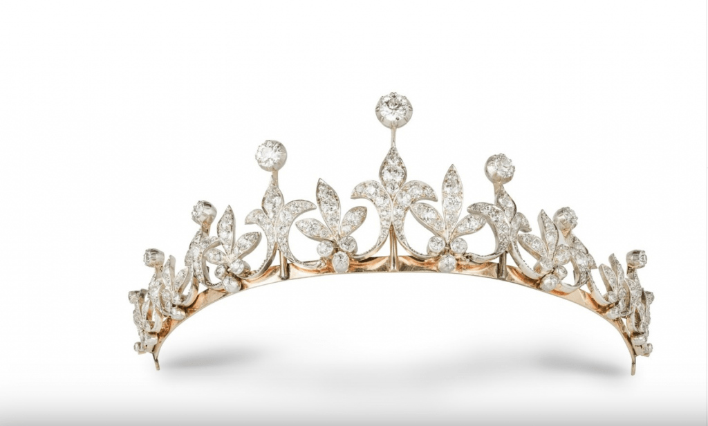Tiara set 9 fleurs-de-lys set with old-mine cut diamonds