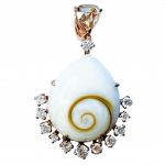 Shell necklace by Gem Voyager